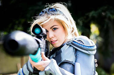 Hannah Ferguson as NOVA from Starcraft cosplay