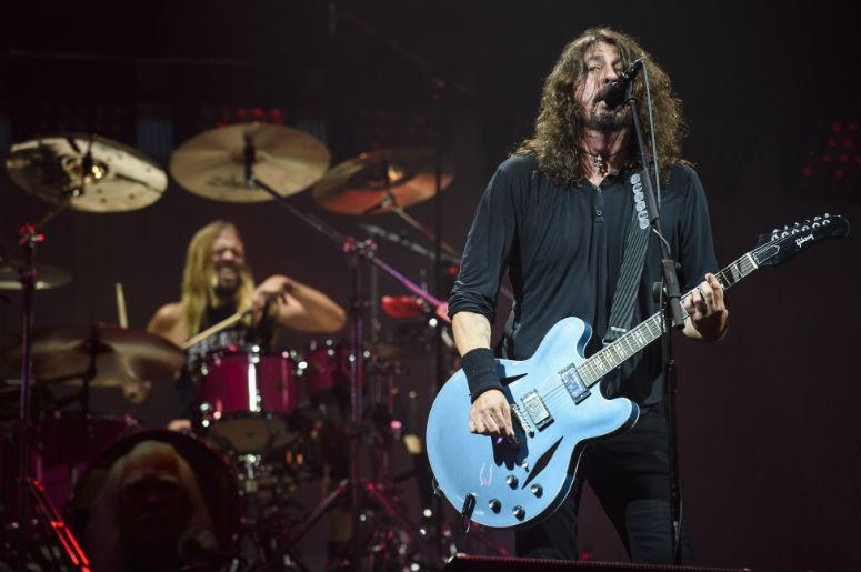 Foo Fighters Snl Christmas.Watch Foo Fighters Snl Performance Is The Only Christmas