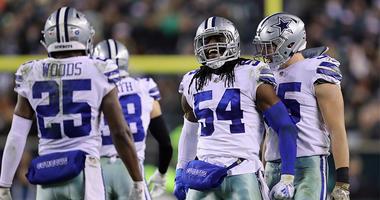 Cowboys, LB Smith agree on extension amid Elliott holdout