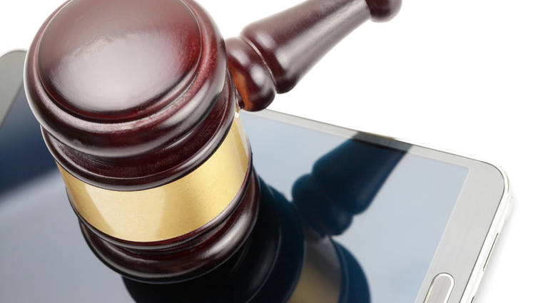 Virginia court sets policy for cellphones in courthouses. (Dreamstime)