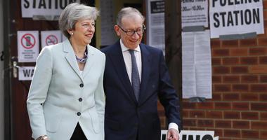 Britain's May delays Brexit bill