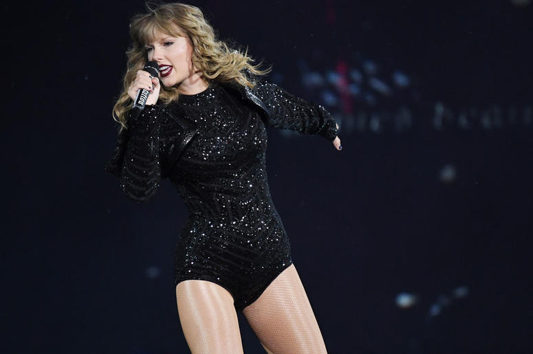 Recording artist Taylor Swift performs at the Hard Rock Stadium