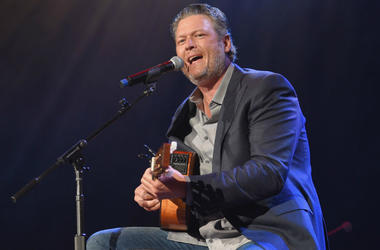 "Blake Shelton releases brand new single ""God's Country"""
