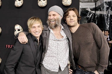 """Actor Ryan Hanson, director Marcus Nispel and actor Jerad Padalecki arrive at the premiere of Warner Bros.' """"Friday the 13th"""" at the Chinese Theater on February 9, 2009 in Los Angeles, California"""