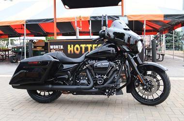 Worth Harley Davidson >> Full Throttle Saloon Worth Harley Davidson 98 9 The Rock Kansas