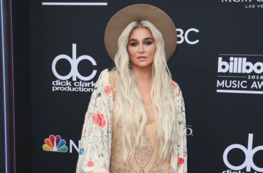 Kesha at the 2018 Billboard Music Awards