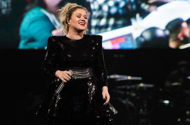 Kelly Clarkson performs during the opening night of the 'Meaning of Life' tour