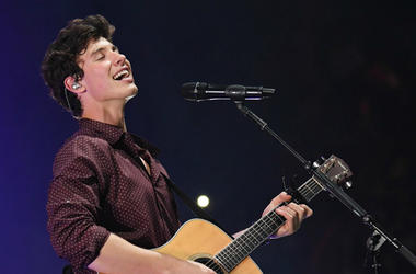 July 26, 2017; Miami, FL, USA; Recording artist Shawn Mendes performs at the American Airlines Arena.