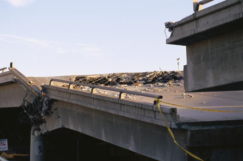 BJ & Jamie: Crack Man Starts Atlanta Bridge Fire   Alice 105 9