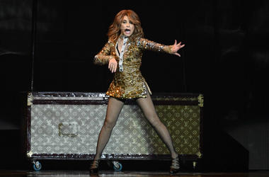 Paula Abdul performs at the Hard Rock Live