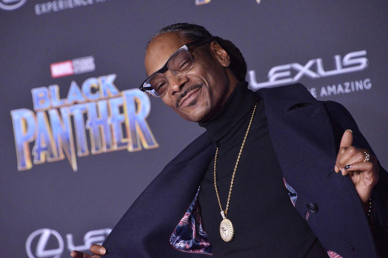 """Snoop Dogg arrives at the Marvel Studios' """"Black Panther"""" Los Angeles"""