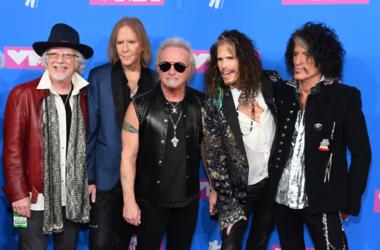 (L-R) Brad Whitford, Tom Hamilton, Joey Kramer, Joe Perry, and Steven Tyler of Aerosmith