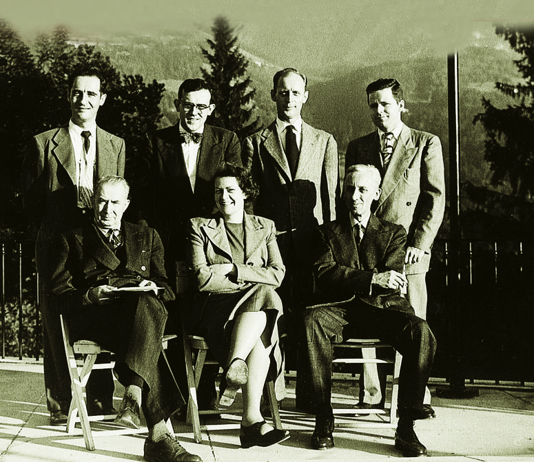 The first seven faculty to teach for UMUC overseas.