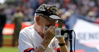 96-year-old WWII veteran Pete DuPré performed national anthem on the hermonica before USWNT vs. Mexico.