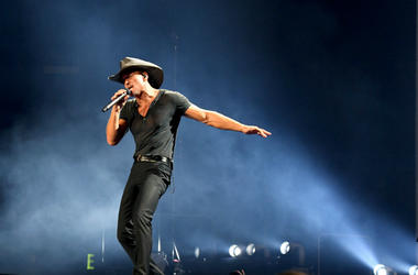 Tim McGraw performs onstage during the 'Soul2Soul' World Tour
