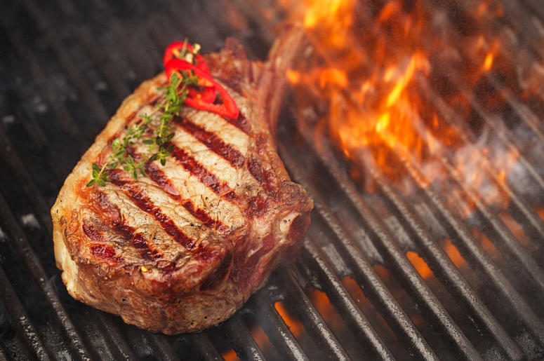Pappa Bros Steakhouse Serving Up Prime Dry Aged New York