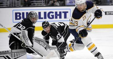 The Sabres look to get back on the winning track in Los Angeles