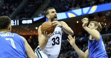 Grizzlies 4 and 1