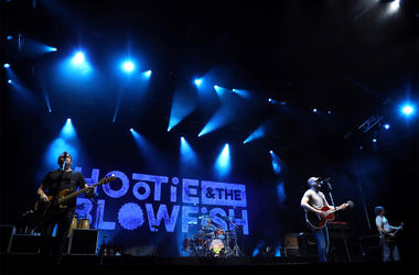 """NORTH AUGUSTA, SOUTH CAROLINA - APRIL 12: Hootie & the Blowfish perform at """"Augusta At Night Presented By Capital One"""" at SRP Park on April 12, 2019 in North Augusta, South Carolina. (Photo by Taylor Hill/Getty Images for Augusta At Night)"""