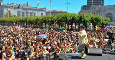 "SAN FRANCISCO, CA - JUNE 29: Lea DeLaria of Netflix's ""Orange Is The New Black"" on stage in front of the crowd at San Francisco Pride Day on June 29, 2014 in San Francisco, California. (Photo by Steve Jennings/Getty Images for Netflix)"