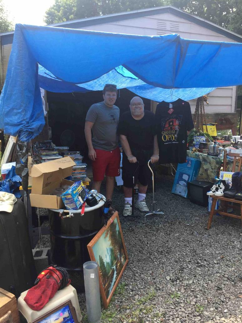 Vet Dying Of Cancer Holds Yard Sale To Raise Money For His Own Funeral