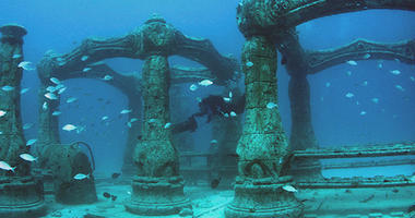 Underwater Mausoleum Allows Final Resting Places To Be Among Sea Life