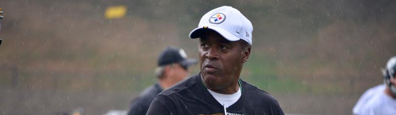 Steelers interim WR coach Ray Sherman at training camp in 2019