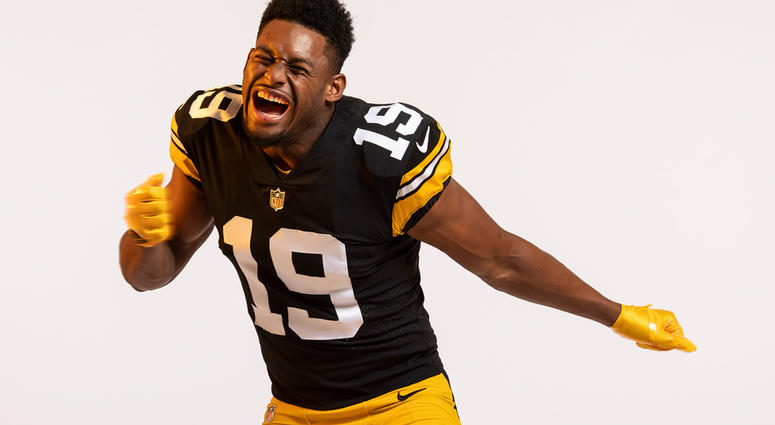 huge selection of 6b8c1 4da3a Photos: Steelers Unveil Throwback Jersey For 2018 Season ...