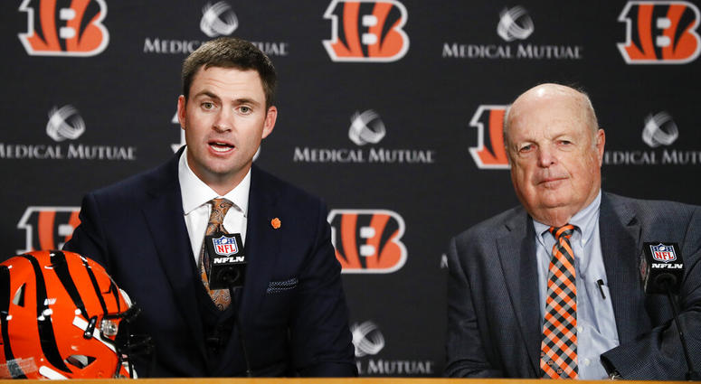 Cincinnati Bengals football head coach Zac Taylor, left, speaks alongside Bengals owner Mike Brown, right