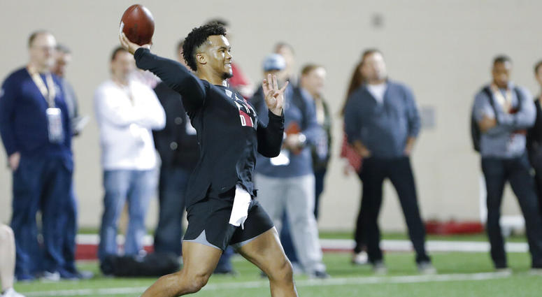 Oklahoma football quarterback Kyler Murray goes through passing drills at the Oklahoma NFL Pro Day in Norman, Okla., Wednesday, March 13, 2019