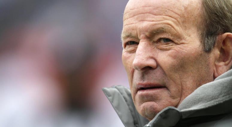 Denver Broncos owner Pat Bowlen looks on prior to the start of an NFL football game between the St. Louis Rams and the Denver Broncos, in Denver. Denver Broncos owner Bowlen dies at age 75, family says in statement released by team.