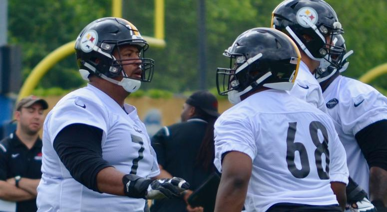 Steelers guard Ramon Foster at OTAs in 2019