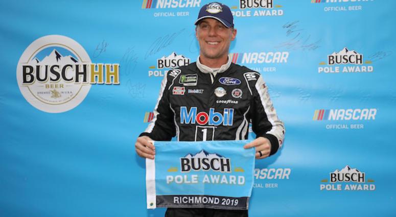 Nascar Pole Position >> Kevin Harvick Wins Nascar Cup Series Richmond Pole Position