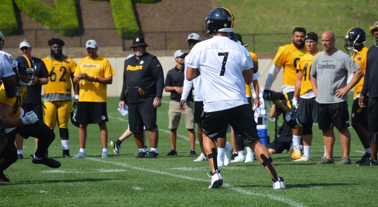 Ben Roethlisberger drops back to pass