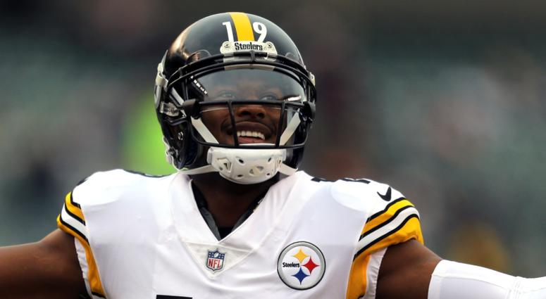 Pittsburgh Steelers wide receiver JuJu Smith-Schuster (19) against the Cincinnati Bengals at Paul Brown Stadium.