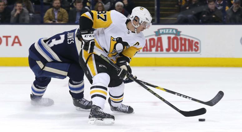 Sidney Crosby picks Seth Jones' pocket