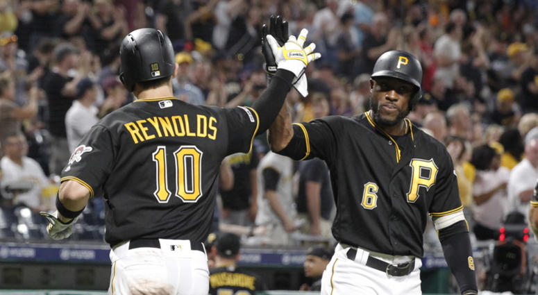 Pirates Rally To Defeat Tigers 8-7, Split Series