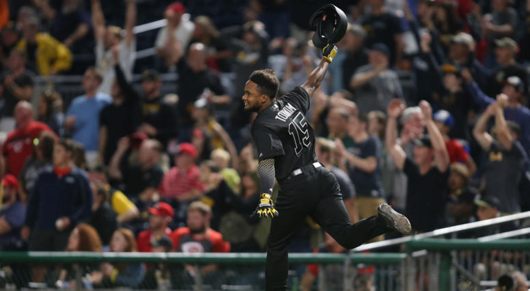 Pirates Rally In Ninth, Defeat Reds 3-2