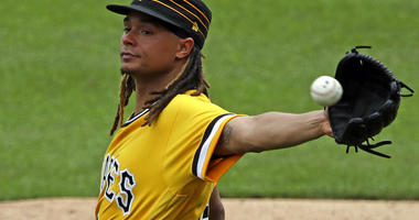 Pittsburgh Pirates starting pitcher Chris Archer
