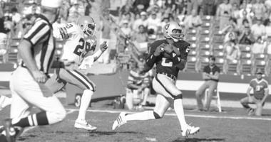 Los Angeles Raiders wide receiver Cliff Branch