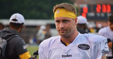 Steelers fourth-string QB Devlin Hodges at training camp in 2019