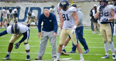 Pitt TE coach Tim Salem in practice in April 2019