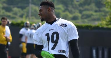 Juju Smith-Schuster laughs during Steelers minicamp in June 2018