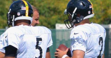 Steelers quarterbacks Josh Dobbs, Mason Rudolph and Ben Roethlibserger in 2018 practice