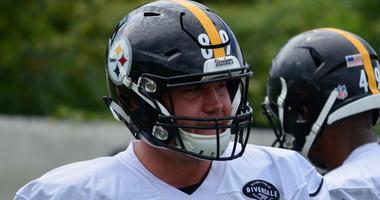 Steelers TE Vance McDonald at practice in 2018
