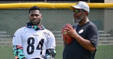 Steelers WR Antonio Brown and WR Coach Darryl Drake in 2018