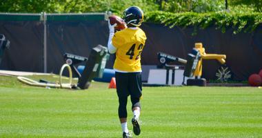 Steelers S Morgan Burnett works on ball drills during OTAs