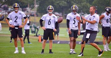 Steelers quarterbacks at training camp in 2019