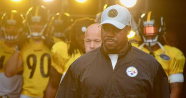 Steelers OLB Coach Joey Porter at training camp practice in 2018