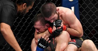 Conor McGregor taps out against Khabib Nurmagomedov